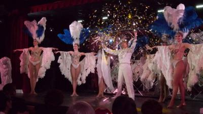 spectacle-finale-confetti-vitotel cabaret